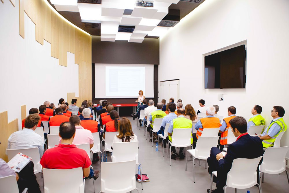 II Curso de especialización industrial de la Escuela Mahou San Miguel – Loopulo