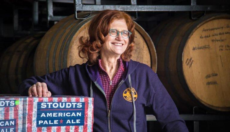 CAROL STOUDT, madre de la cerveza artesanal – Loopulo