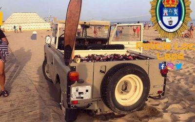 Un Jeep cargado con 200 botellines de cerveza ha sido intervenido al intentar acceder a la playa
